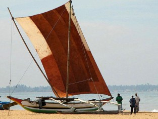 negombo-village-pecheurs-bateau